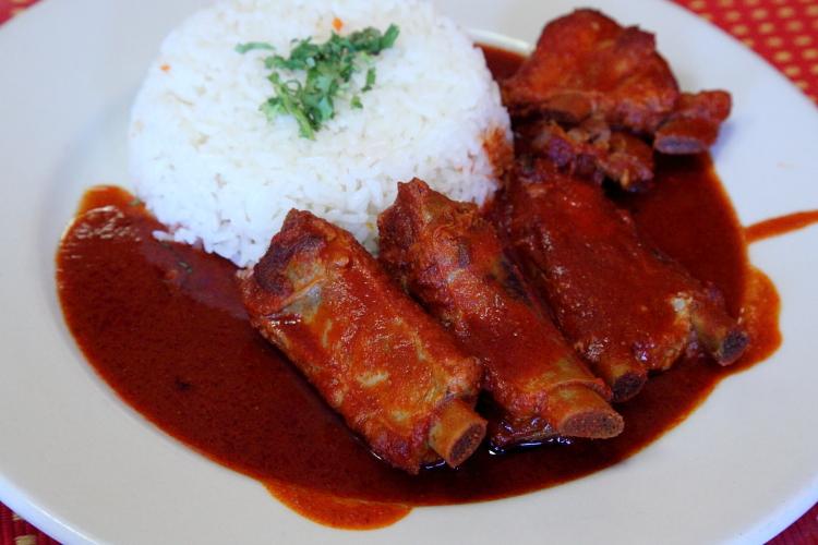 Costillas en salsa roja, Guatemex, Bensonhurst, Brooklyn