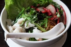 Ba mee, Larb Udol, Ninth Avenue, Manhattan