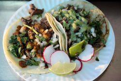 Suadero tacos, Tacos El Tuzito, Unnion City, New Jersey