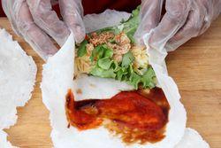 Folding poh pia (aka popiah), Auria's Malaysian Kitchen, Hester Night Market, Sixth Avenue, Manhattan