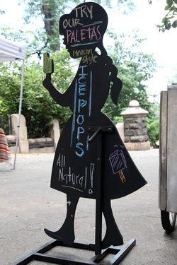 La NewYorkina silhouette signboard, Morningside Heights, Manhattan