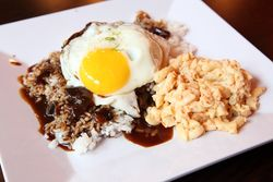 Loco moco, Makana, West 106th Street, Manhattan