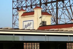 Former Ridley's candy factory, seen from the Flushing-bound 33rd Street 7 platform, Long Island City, Queens