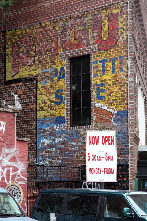 Ragu Spa[gh]etti S[auc]e, surviving signage, Sixth Ave, Manhattan
