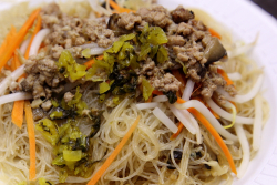Taiwanese fried rice noodles, Taipei Hong, Flushing, Queens