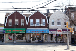 No 1 Hunan and neighbors beneath gambrel roofs, Elmhurst, Queens