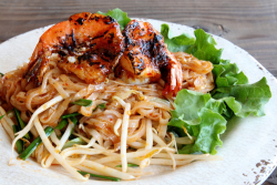 Jumbo shrimp with stir-fried noodles  Khao Nom  Elmhurst  Queens