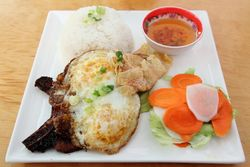 Broken rice with pork chop, shrimp cake, and egg, Com Tam Ninh-Kieu, Kingsbridge Heights, Bronx