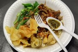 Mie ayam, Indonesian bazaar at City Blessing Church, Woodside, Queens