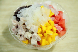 Shaved ice with condensed milk, lychee jelly, watermelon, mango, taro, and red beans, NY Wan He Chuen, New World Mall food court, Flushing, Queens
