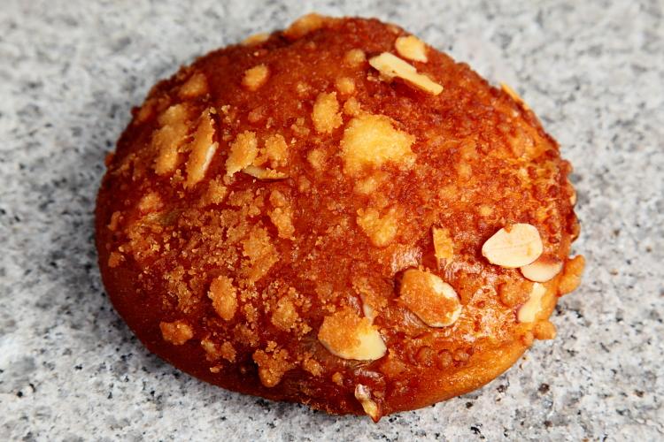 Fried soboro red bean bread, Bangjangsoo (aka BJD Bakers), Murray Hill, Queens