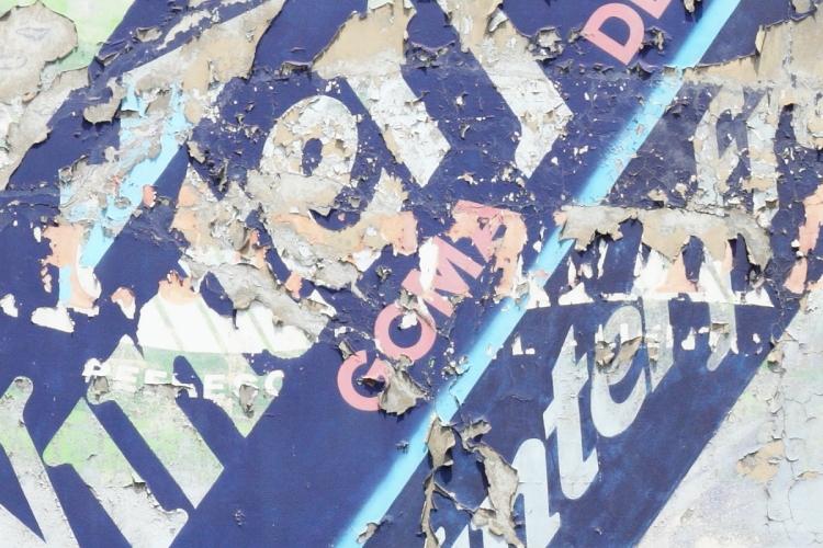 Wrigley's Winterfresh goma de mascar (detail of refresco underlayer)  surviving signage  Mexico City