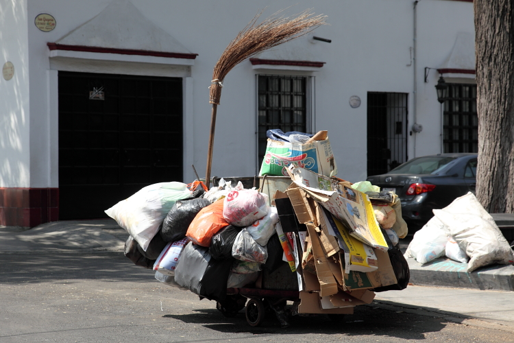 Street sweeper's cart  San Gregorio  Coyoacan  Mexico City
