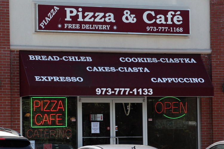 Piazza Pizza & Cafe, Wallington, New Jersey