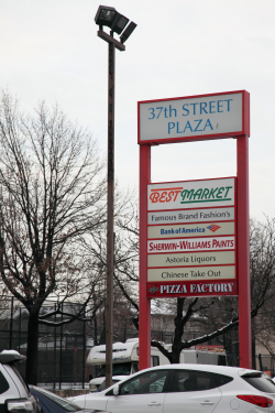 List of shopping plaza tenants, including Chinese take out, Steinway, Queens