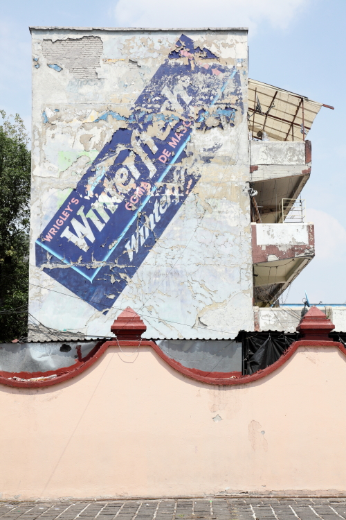 Wrigley's Winterfresh goma de mascar  surviving signage  Mexico City