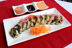 Tre golpe sushi roll  MamaSushi  Broadway  Manhattan