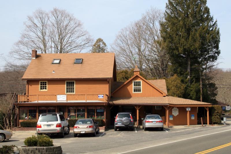 The Olde Blue Bird Inn  Easton  Connecticut