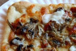 Gold Medal pie  Mona Lisa Pizza & Ristorante  Annadale  Staten Island