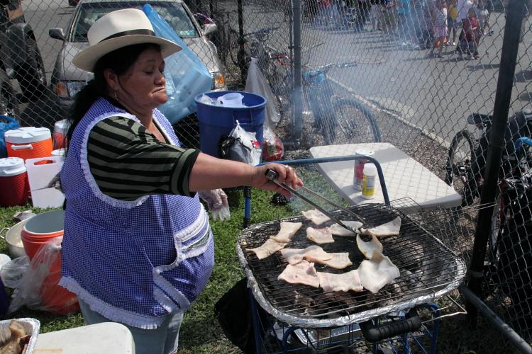 Grilling pork skin  Festival Ecuatoriano %22Musica y Folklore %22 Flushing Meadows Corona Park  Queens