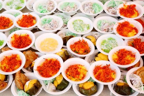 Desserts  Songkran festival  Wat Buddha Thai Thavorn Vanaram  Elmhurst  Queens