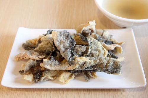Deep-fried fish skin  Yin Ji Chang Fen  Bayard St  Manhattan