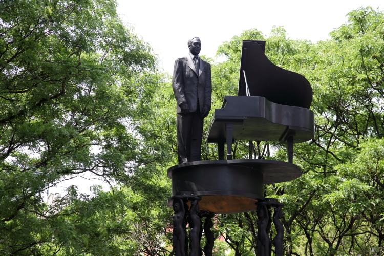 Duke Ellington memorial (Robert Graham  1997)  Duke Ellington Circle  Manhattan