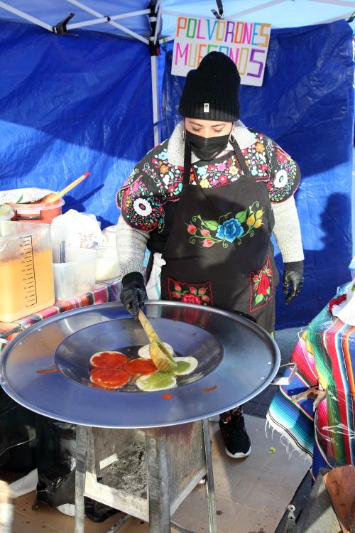 Preparing chalupas  Chalupas Poblanas El Tlecuile  Corona  Queens